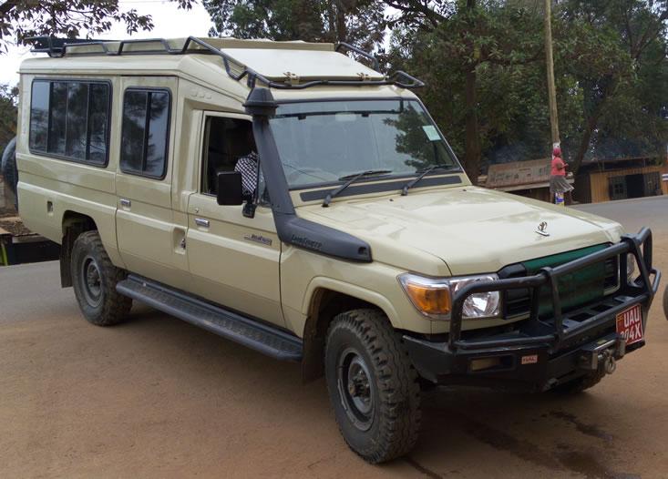野生动物园的车辆乌干达卢旺达